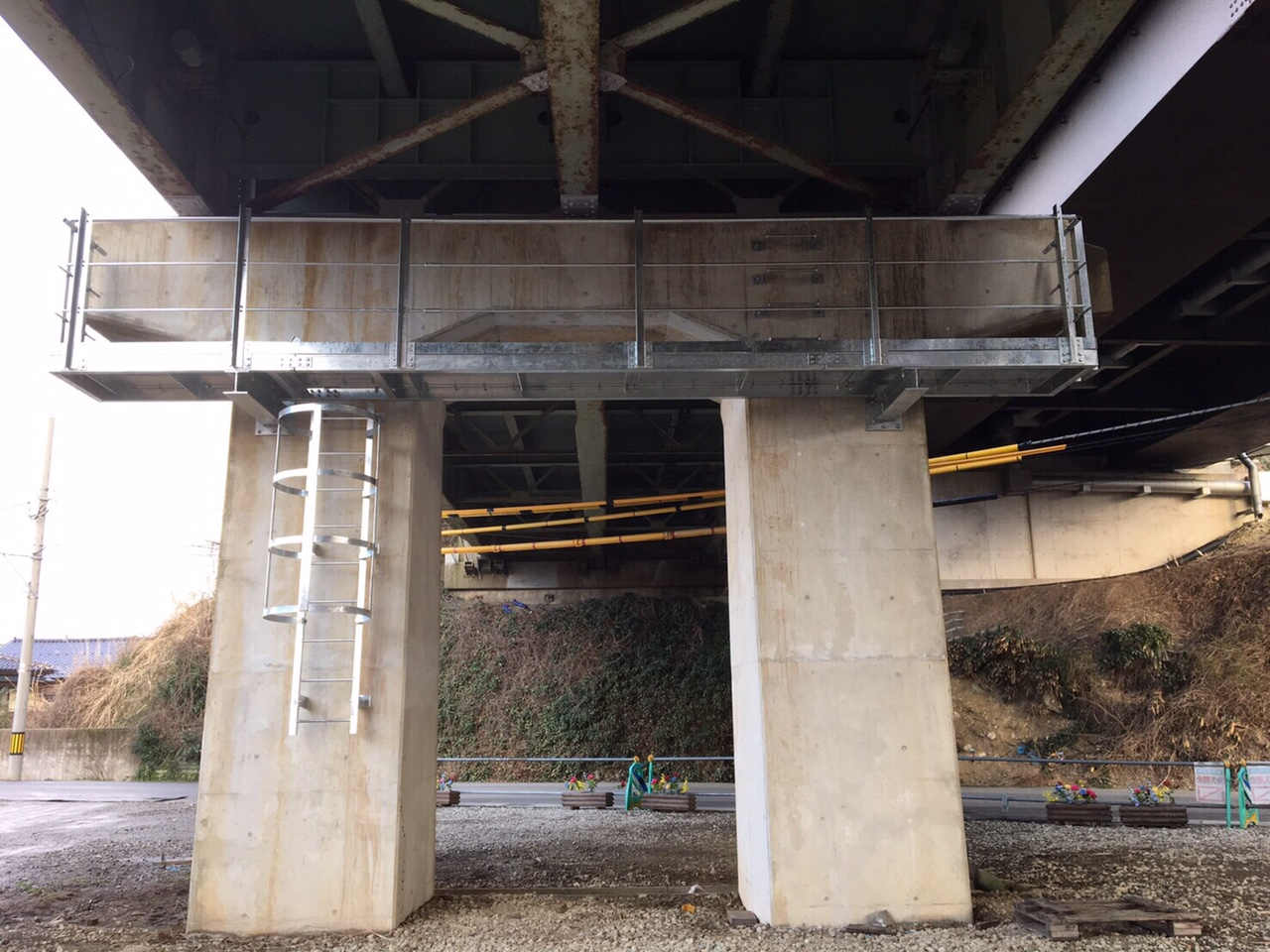橋の設備工事